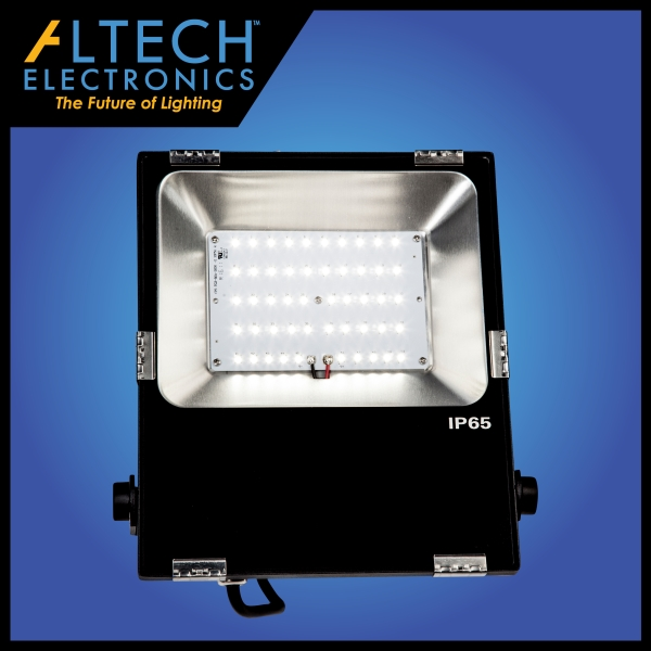 Exterior Pole Top LED Light Fixtures